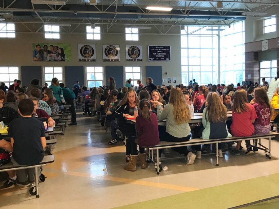 Cherokee%27s+cafeteria+is+always+packed+in+tight+at+lunchtime.+This+is+during+the+7th+grade+lunch+time.